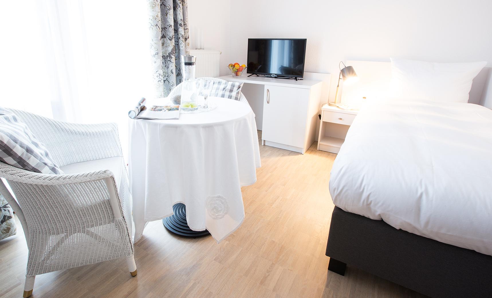 zimmer verdunkeln best zimmer verdunkeln ohne rolladen. Black Bedroom Furniture Sets. Home Design Ideas
